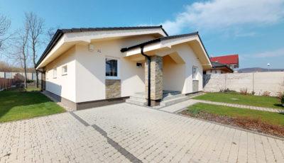 Moderný a kvalitný bungalov na predaj v Pezinku 3D Model