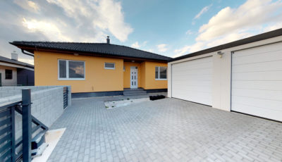Štvorizbový rodinný dom v Slovenskom Grobe – novostavba 3D Model