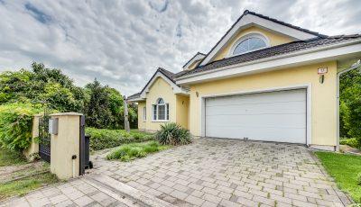 Priestranný rodinný dom na predaj v Bernolákove 3D Model