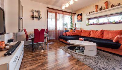 Na predaj trojizbový byt v Chorvátskom Grobe 3D Model