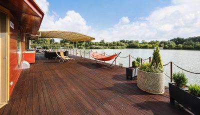 Dom na vode | Houseboat na Jaroveckom ramene 3D Model