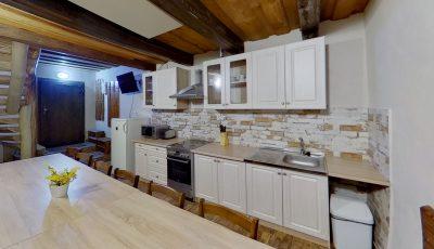 Na predaj tri kompletne zrekonštruované chaty | Stará Hora – Sebechleby 3D Model