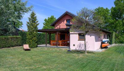 Jedinečný rekreačný dom na jazere Vojka 3D Model